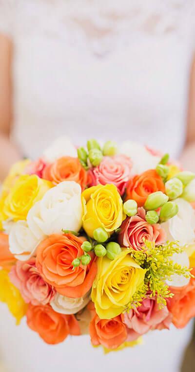 Hochzeitsstrauss für die glückliche Braut